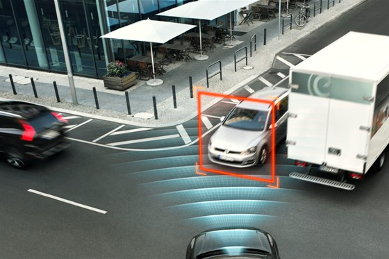 XC90 - City Safety With auto brake in intersections