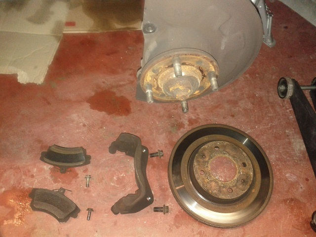 how to replace front brake discs on volvo s40 v40. Black Bedroom Furniture Sets. Home Design Ideas