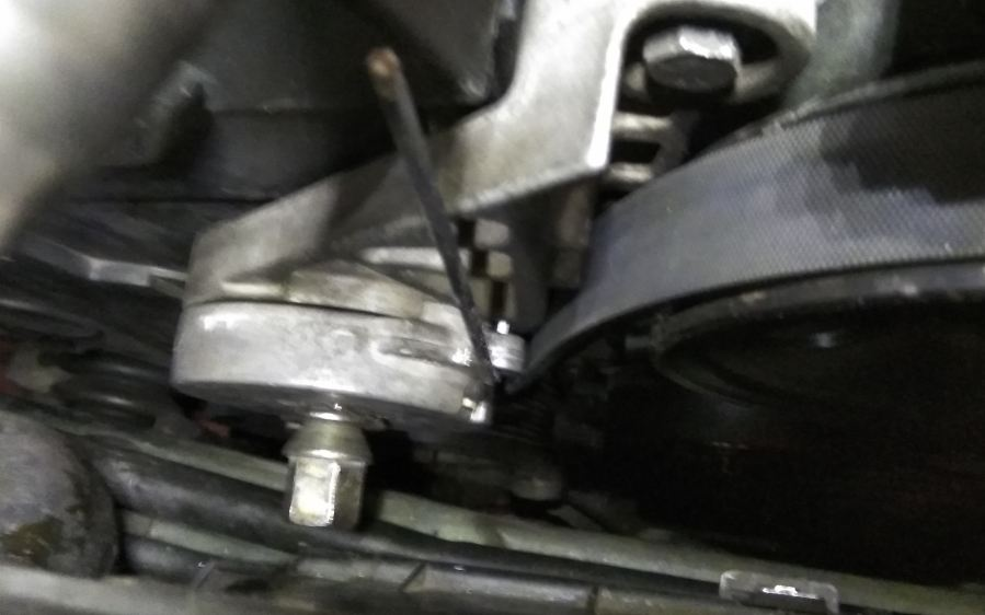 volvo_850_x70_replace_alternator_2_3