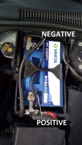 how-to-replace-battery-volvo-s40-v50-c30-c70-DISCONNECT-TERMINALS